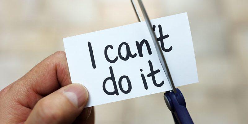 Etiqueta con el eslogan Tu puedes en inglés