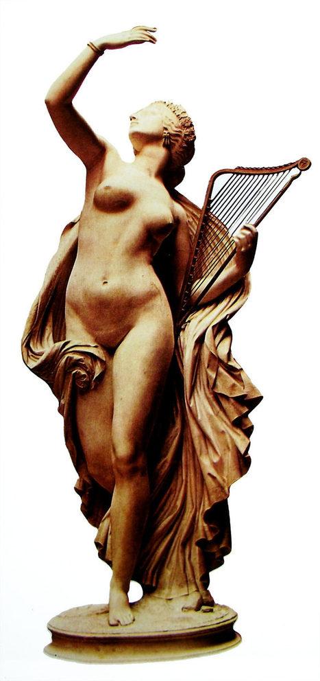 Estatua de una musa